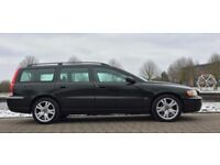 VOLVO V70 Estate 2.4 Petrol Auto SE (2005) - exceptional condition throughout.