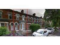 1 Double bedroom to rent at £220 per month within a 4 bedroom house - Deramore Avenue