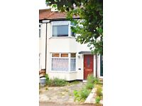 3 BED HOUSE FOR RENT IN HORNCHURCH ESSEX. NEAR A12/M25, UPMINSTER STATION, BUSES, SHOPS, RC SCHOOLS