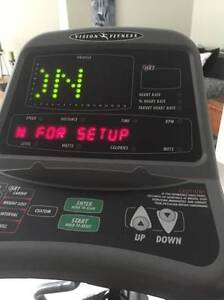 Elliptical - Vision Fitness HRT X6200 North Shore Greater Vancouver Area image 5