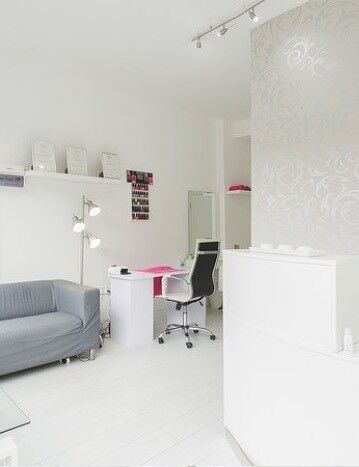 Self employed hair dresser to rent a chair