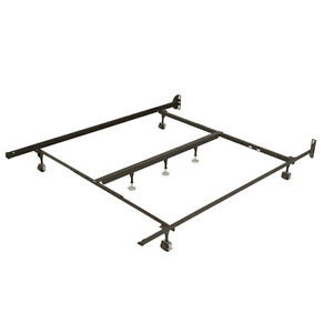 Double/Full Metal Bed Frame from Sleep Country - Like new cond.