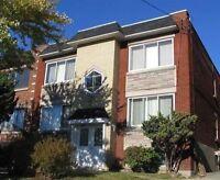 Quadruplex a LASALLE A Vendre For Sale Immeuble Revenu