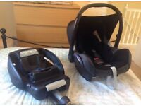 Maxi Cosi cabrio fix car seat with IsoFix base - Very good condition.