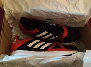 BRAND NEW NEVER WORN Woman's Adidas running shoes 8.5