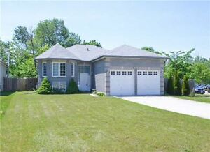 RAISED BUNGALOW - 3+2 BEDROOMS - FENCED YARD (56x201ft.)