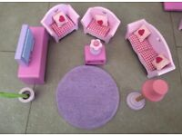 Dolls House Accessories. Very good used condition!