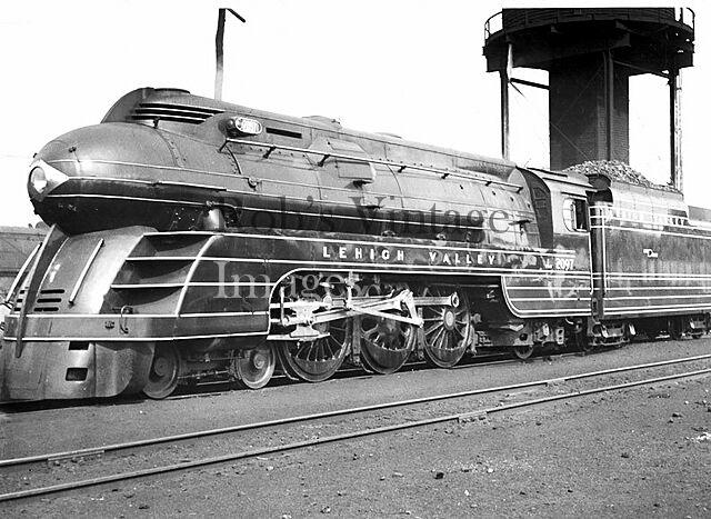 "Lehigh Valley Railroad Photot Black Diamond Streamline Steam Train 8""x10"