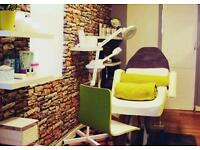 Beauty room and space for manicure station to rent