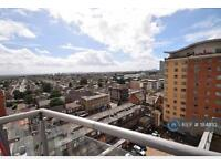 2 bedroom flat in Centreway Apartments, Ilford, IG1 (2 bed)