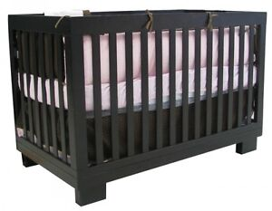 3-in-1 Convertible Crib - Genève  For 90.00$