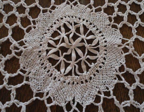 "True Vintage Handmade Bobbin Bedfordshire Lace Tablecloth Banquet 94"""