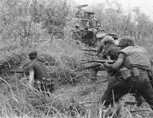 "U.S. Marines firing at enemy Operation Allen Brook 8""x 10"" Vietnam War Photo 122"