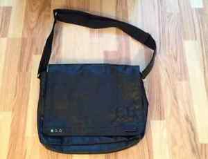 Male Esprit Messenger bag!