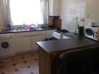 Small room to let in 4 bed house £55 Per Week *** PRICE INCLUDES ALL BILLS **