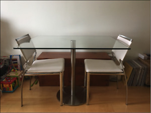 Beautiful Glass Dining Table (from Casalife)