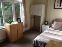 Single Room - Totally Self Contained!!!