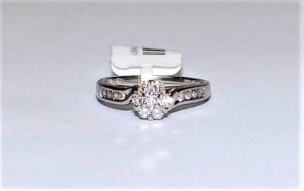 18K White Gold 1 3ct I SI Diamond Cluster Prouds Engagement Ring