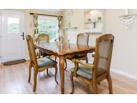 Extending Traditional Oak Dining Table with 6 Chairs and Matching Dresser Unit