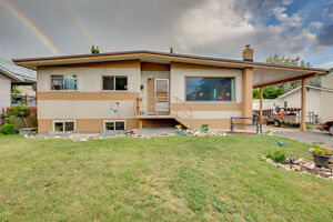 """New Price!! Perfect 5bdrm Family Home lots of Updates """"Must See"""""""