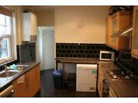 4 bedroom house in North Road, Cathays, Cardiff, CF10 3DZ