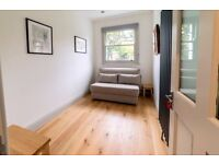 Flexible room for working space / seeing clients / Treatments - Clapham - £26 p/d