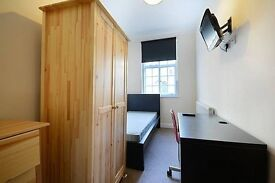 Private room in refurbished house close to New Cross