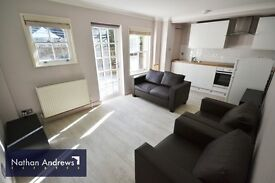 BRIGHT TWO DOUBLE BEDROOM FLAT TO RENT WITH PRIVATE GARDEN W10 (ZONE 2) AMAZING LOCATION!