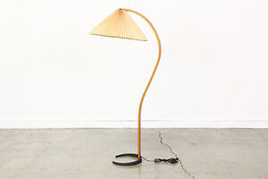 MOVING SALE: FLOOR LAMP, HP SCANNER, BOOSTER SEAT.(URGENT)