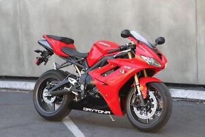 2012 Daytona 675 low km