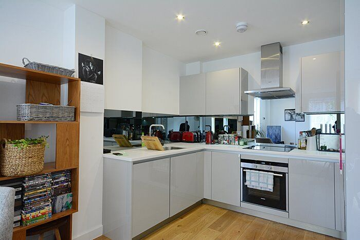 *BRAND NEW SUPERB 1 BEDROOM APARTMENT-GROUND FLOOR WITH PATIO AREA*
