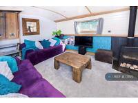 2 bedroom house in Sunbury, Sunbury, TW17 (2 bed)