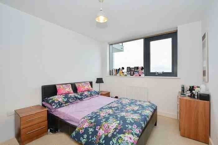 2 Bed Furnished Flat - 30 Secs from London Euston