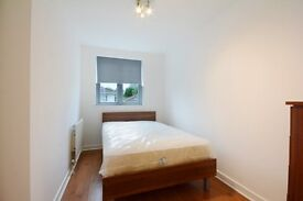 **Large 2 bedroom apartment minutes from West brompton Station**