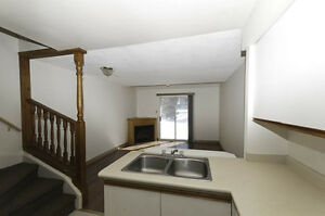2 Bedroom Condo Townhomes Walkout Upper Decks! Kitchener / Waterloo Kitchener Area image 2