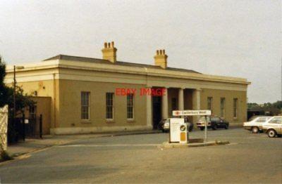 PHOTO  CANTERBURY WEST RAILWAY STATION EXTERIOR KENT 1984 SE&CR - ASHFORD - MINS