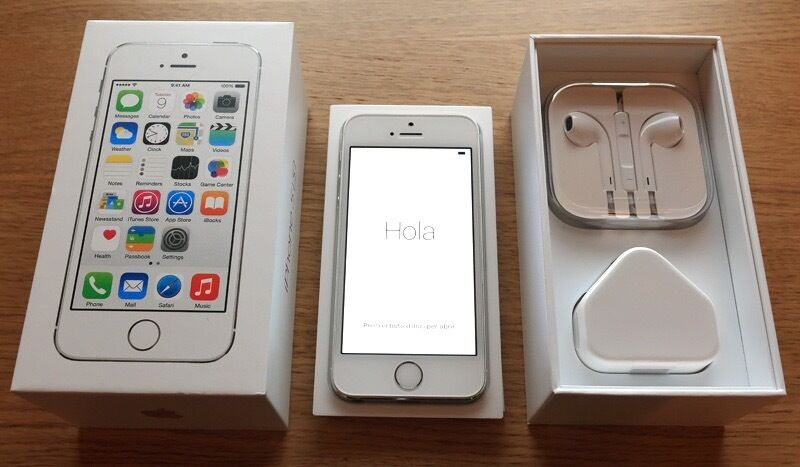 iPhone 5S 16GB 4G silver/white unlocked smartphone for salein Alloa, ClackmannanshireGumtree - For sale is a completely unmarked Apple iPhone 5S 16GB phone, factory reset and unlocked to go on any 4G mobile network. The phone comes completely boxed with original packaging, unused brand new apple headphones, unused brand new charger and an...