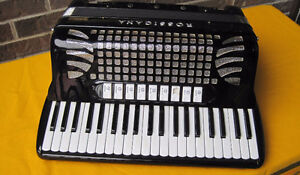 Vintage Rossicana (Brandoni & Sons, Italy) Accordion