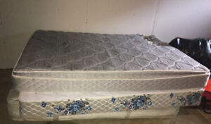 Free queen size mattress's one is damaged and 1 box spring