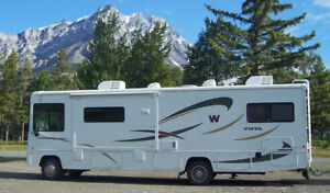 2008 WINNEBAGO VISTA 32K MOTOR HOME WITH BUNKS