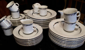 Lynn's fine china dinner set for 8