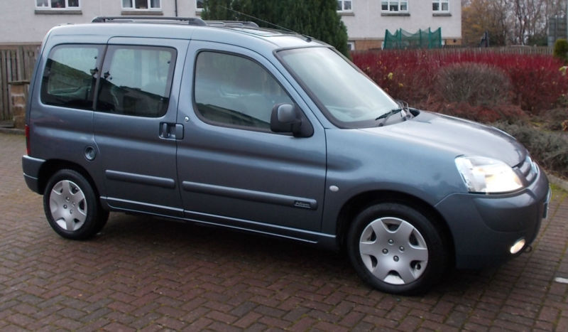 1 former keeper citroen berlingo 2 0 hdi 90 2005 multispace desire diesel in east kilbride. Black Bedroom Furniture Sets. Home Design Ideas