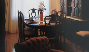Dining Room Table with Four Chairs For Sale!!