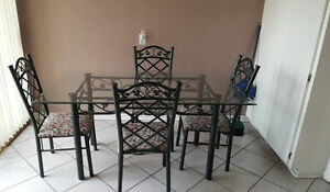 Glass Dining Set in excellent Condition