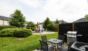 Mississauga Central Erin Mills 3 Bedrooms Townhouse for lease