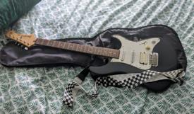 Yamaha Pacifica Electric Guitar (w/ Guitar bag + strap)