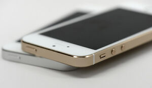 Iphone 5s mint condition unlocked, Gold and white