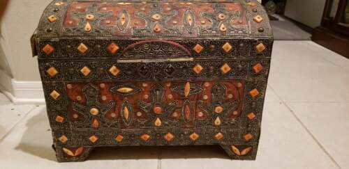 "Camel Bone Metal Inlaid Moroccan Wooden Trunk Chest 19x11x15"" Vintage"