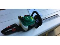 QUALCAST 26cc PETROL HEDGE TRIMMER 550mm BLADE 2 STOKE USED ONLY A FEW TIMES GREAT CONDITION