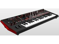 Roland JD-Xi Analog / Digital Crossover Synth, with onboard Pattern Sequencer and Vocoder